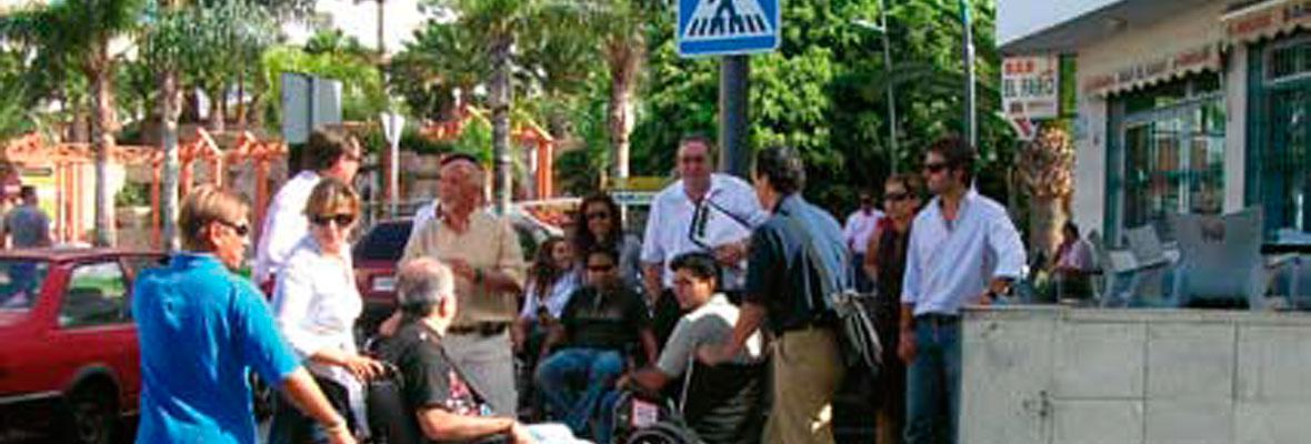 Grupo de miembros de la asociación concentrados en el sur de Tenerife