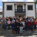 santiago teide alcalde junto a los nuevos trabajadores 2017