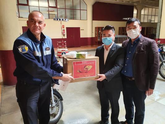 Donación de mascarillas solidarias por parte de la Comunidad China