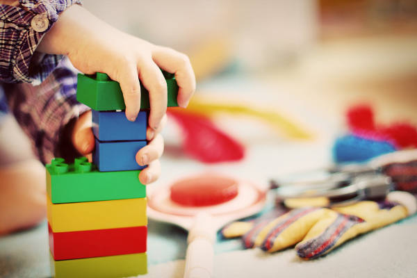 Se suspende la solicitud de plaza en escuelas infantiles de Infancia