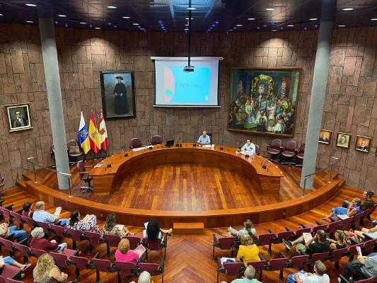 El Cabildo presenta la plataforma de venta online a asociaciones