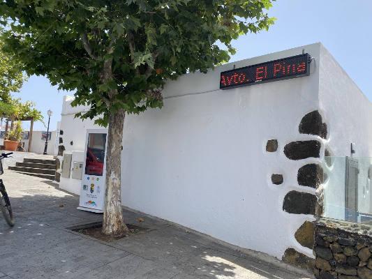 El Pinar adquiere dos paneles para ofrecer información a los vecinos