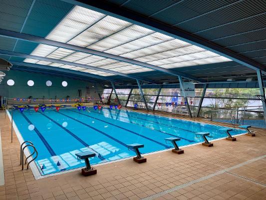 Se permite el uso de las instalaciones deportivas a los usuarios libres
