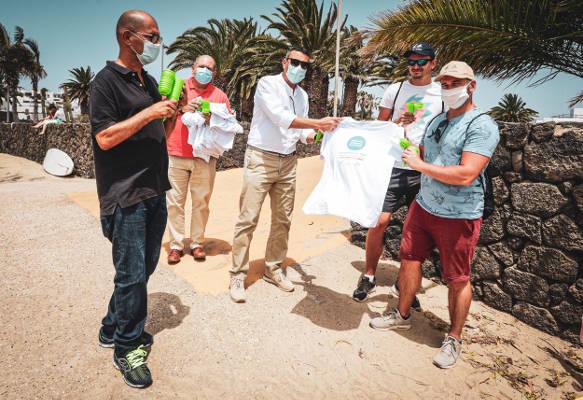 Teguise incide en el uso responsable del litoral y la limpieza de playas