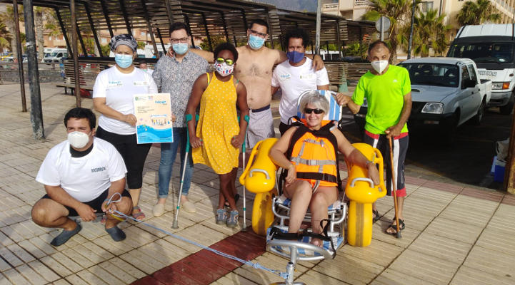 Puesta en marcha el servicio de silla anfibia en El Puertito
