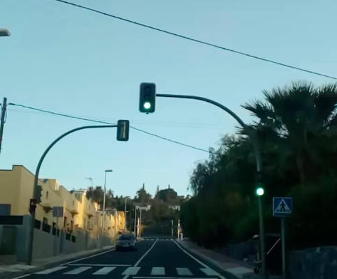 Los semáforos de Tecina sufren daños que impiden su funcionamiento
