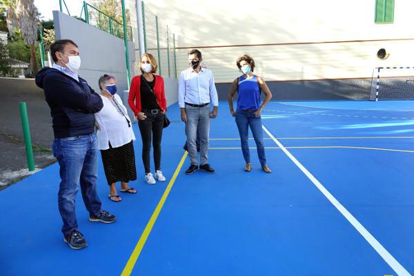 El Ayuntamiento rehabilita y pone en servicio una nueva cancha deportiva en Ofra