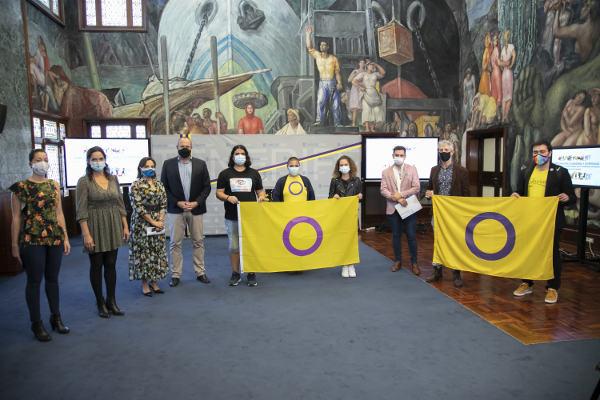 La lectura del manifiesto por la visibilidad intersex acogida en el Cabildo