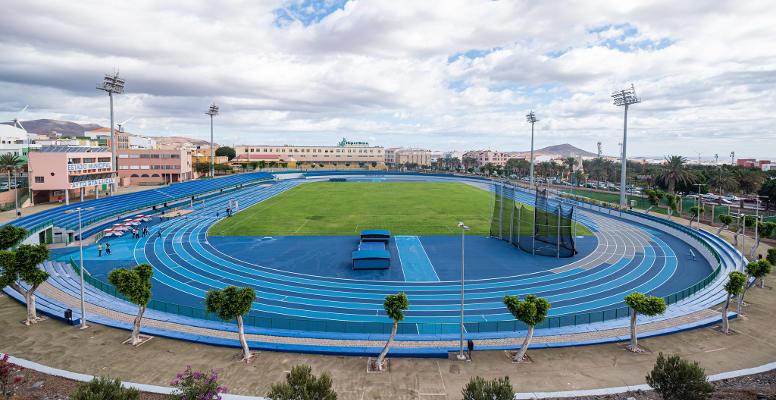 El Estadio de Atletismo de Vecindario reabre para más de 1.000 atletas
