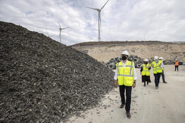 2.500 toneladas de neumáticos retirados del Complejo Ambiental de Arico