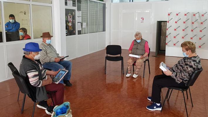 Tenerife CUIDA, programa para combatir la brecha digital