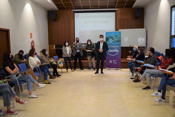 La Laguna Cuida diseña nueva estrategia municipal contra la soledad