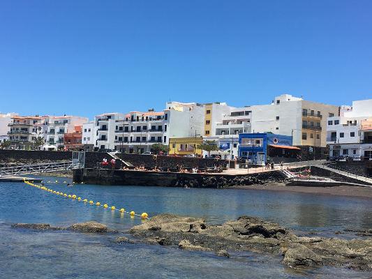 La playa de La Restinga renueva su Bandera Azul por quinto año