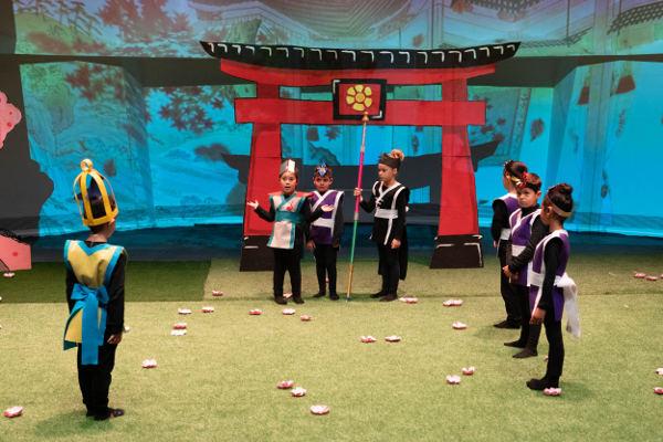 Manos a la Ópera reúne a 60 escolares que dan vida a Miniflauta mágica