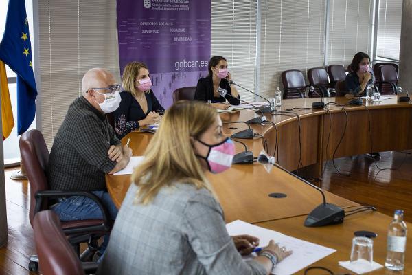 Encuentro con colectivos LGTBI para analizar la aprobación de la ley trans
