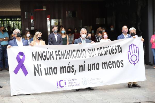 Un minuto de silencio y manifiesto por el asesinato machista de Josefa