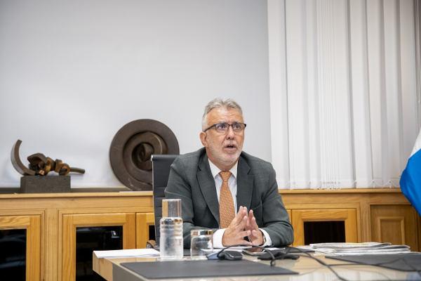 El presidente interviene en la reunión de la comisión interdepartamental